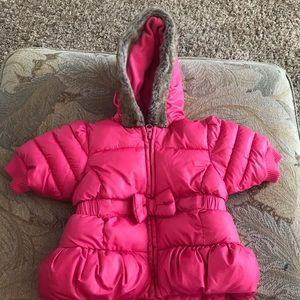 Old Navy pink puffer coat with fur-trimmed hood